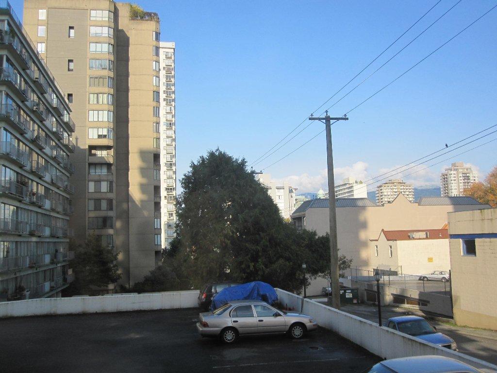 Photo 10: Photos: Vancouver condominium