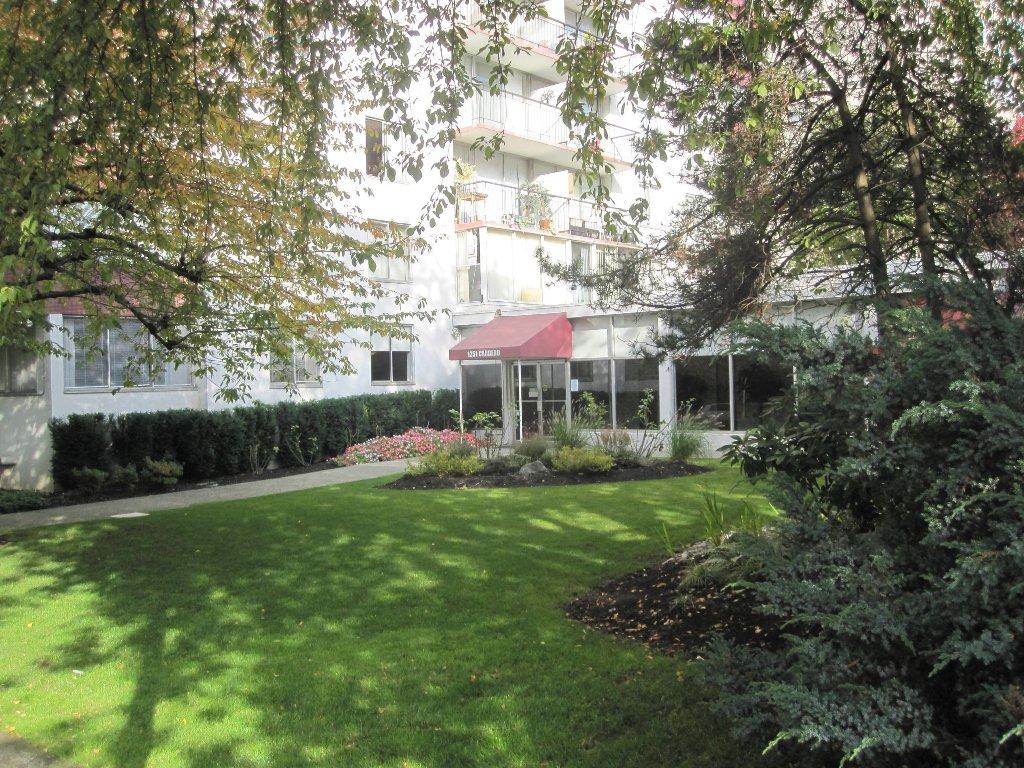 Photo 4: Photos: Vancouver condominium