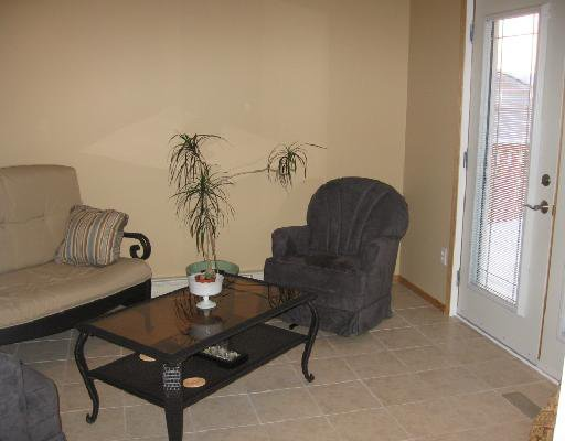 "Photo 4: Photos: 5543 53RD Street in Fort_Nelson: Fort Nelson -Town House for sale in ""HILL"" (Fort Nelson (Zone 64))  : MLS®# N180550"