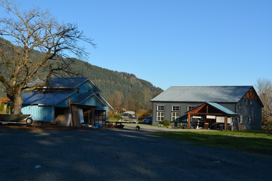 Main Photo: 47911 BALLAM ROAD in Chilliwack: Fairfield Island House for sale : MLS®# R2382632