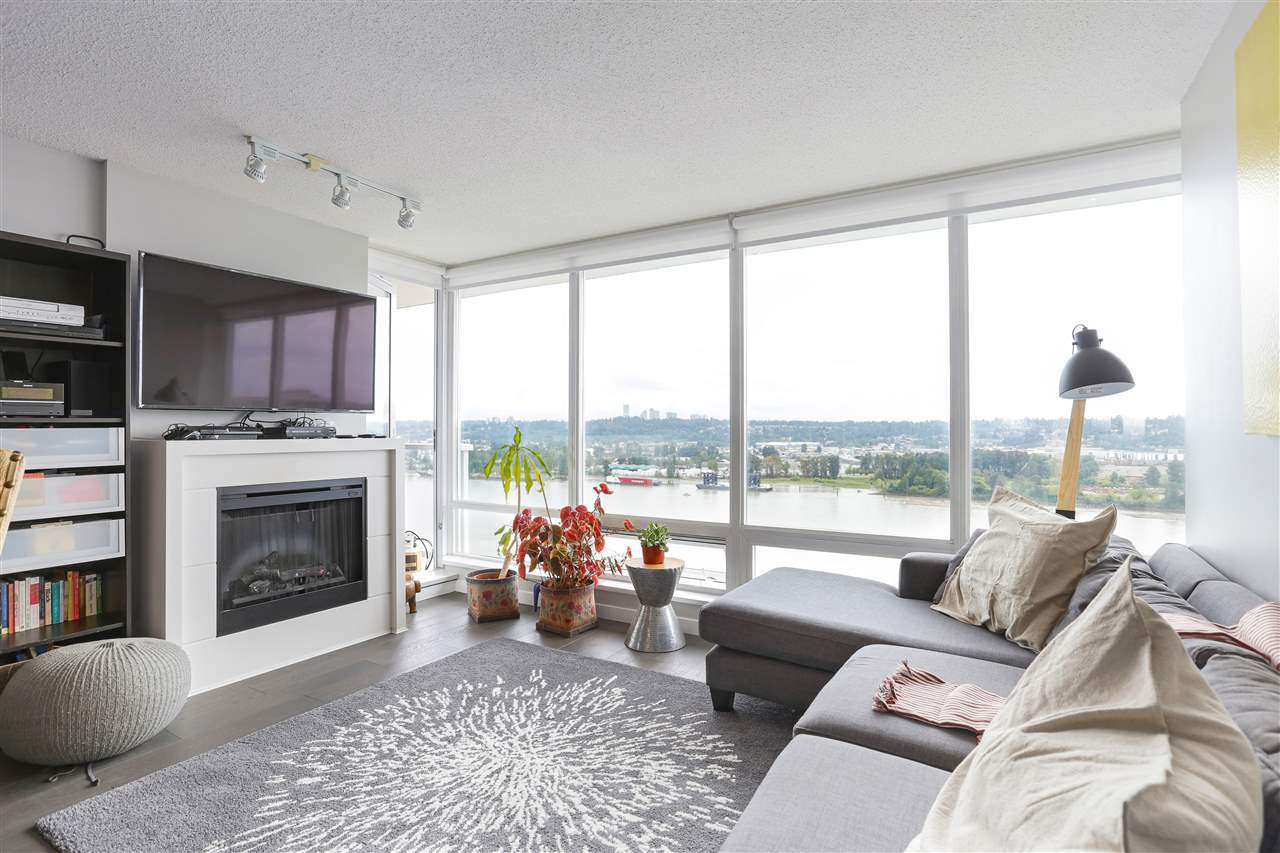 "Main Photo: 1704 39 SIXTH Street in New Westminster: Downtown NW Condo for sale in ""Quantum"" : MLS®# R2401221"