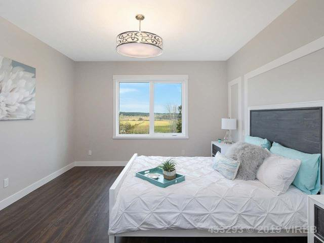 Photo 10: Photos: 1452 CROWN ISLE Boulevard in COURTENAY: Z2 Crown Isle House for sale (Zone 2 - Comox Valley)  : MLS®# 453293