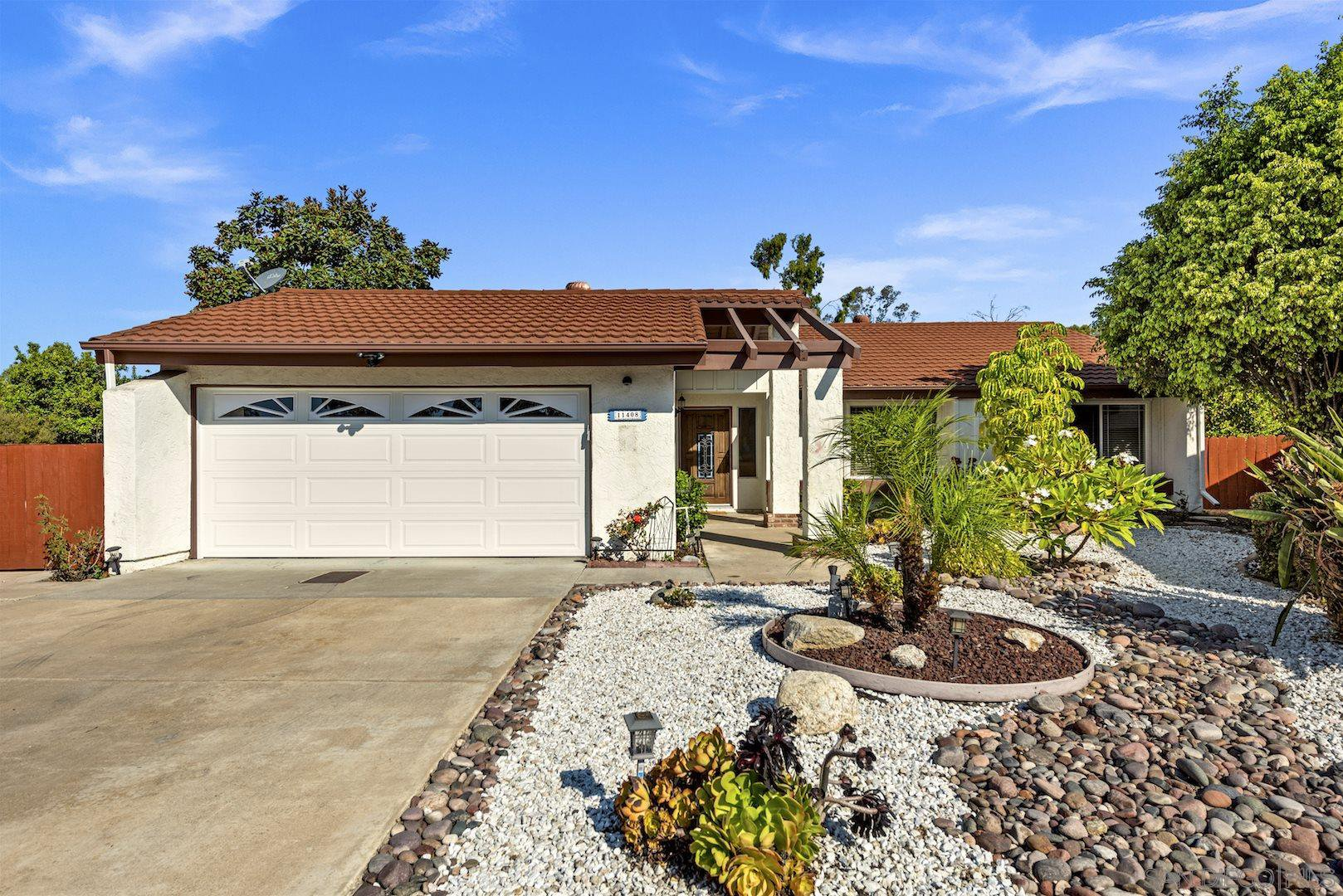 Main Photo: TIERRASANTA House for sale : 4 bedrooms : 11408 Via Promesa in San Diego