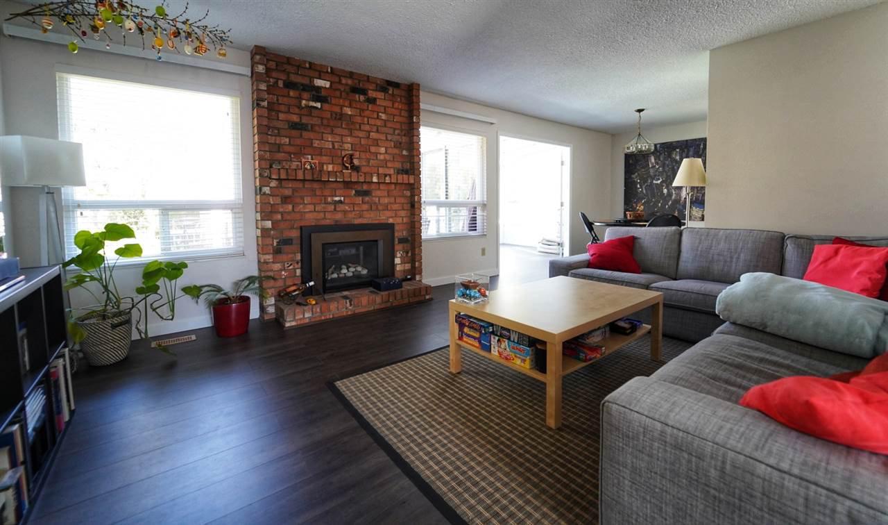 Main Photo: 1710 143B Street in Surrey: Sunnyside Park Surrey House for sale (South Surrey White Rock)  : MLS®# R2404957