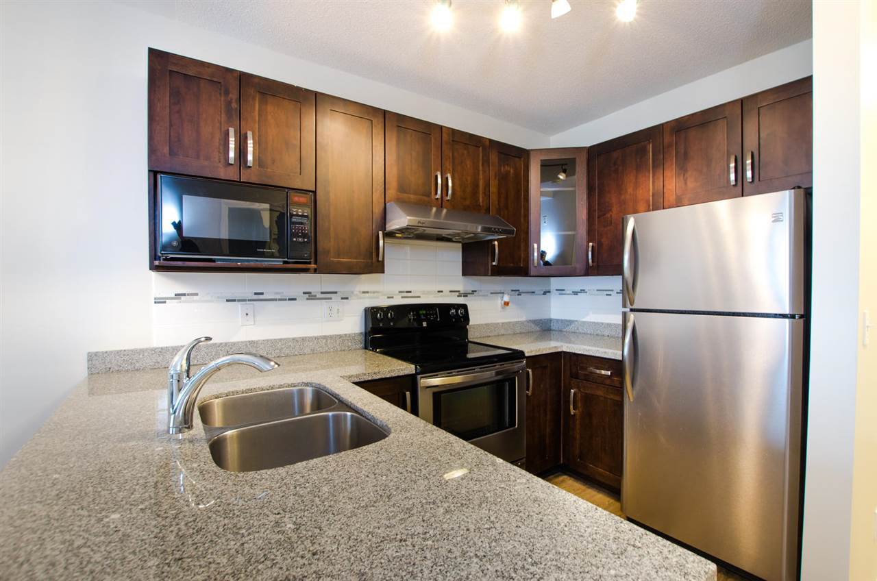 """Photo 12: Photos: 108 6475 CHESTER Street in Vancouver: Fraser VE Condo for sale in """"Southridge House"""" (Vancouver East)  : MLS®# R2439801"""