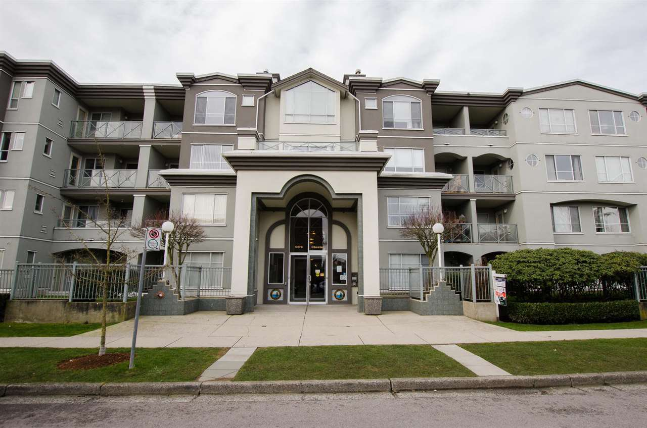 """Photo 1: Photos: 108 6475 CHESTER Street in Vancouver: Fraser VE Condo for sale in """"Southridge House"""" (Vancouver East)  : MLS®# R2439801"""