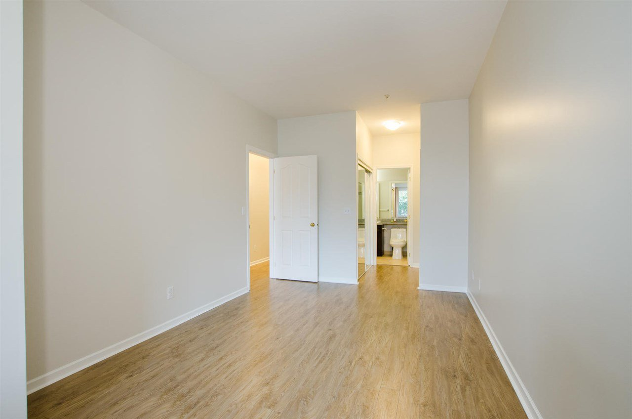 """Photo 16: Photos: 108 6475 CHESTER Street in Vancouver: Fraser VE Condo for sale in """"Southridge House"""" (Vancouver East)  : MLS®# R2439801"""