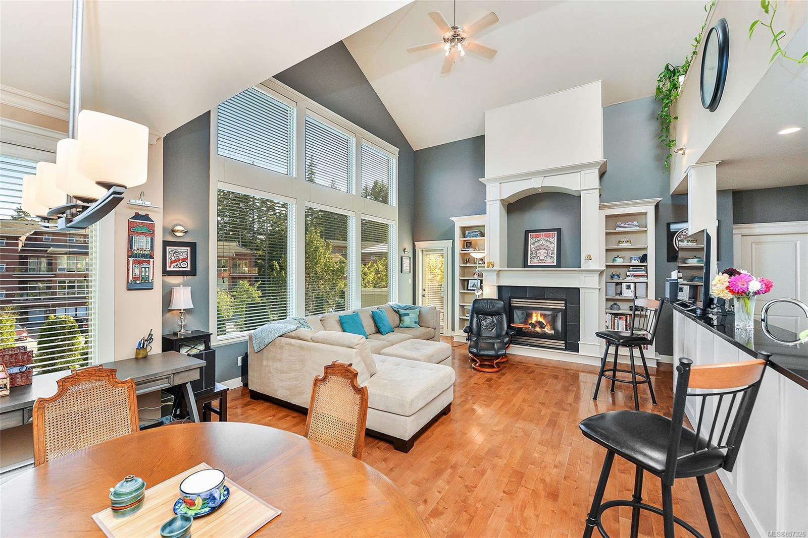 Main Photo: 1 630 Brookside Rd in : Co Latoria Row/Townhouse for sale (Colwood)  : MLS®# 857326