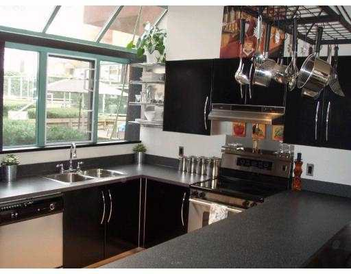 Photo 3: Photos: 905 BEACH Avenue in Vancouver: False Creek North Townhouse for sale (Vancouver West)  : MLS®# V676727