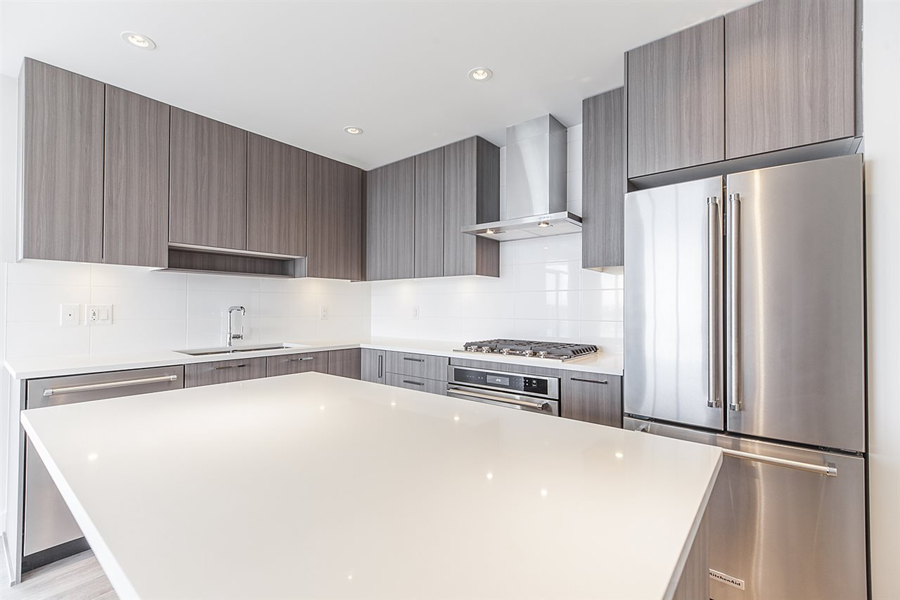 """Main Photo: 2105 1788 GILMORE Avenue in Burnaby: Brentwood Park Condo for sale in """"Escala"""" (Burnaby North)  : MLS®# R2396907"""