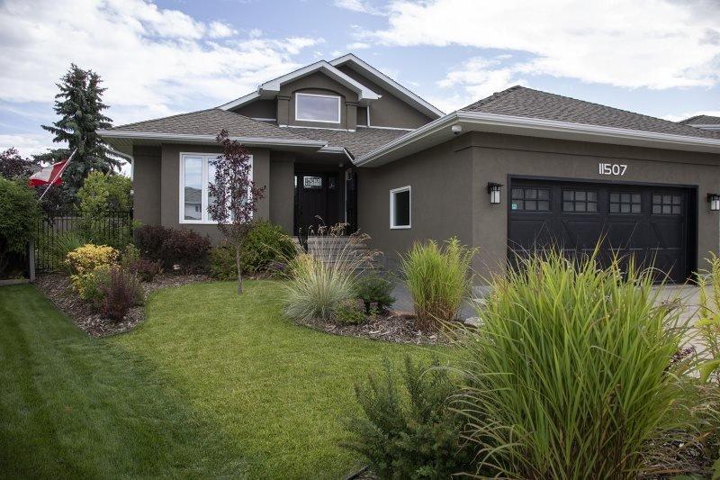 Main Photo: 11507 10 Avenue in Edmonton: Zone 16 House for sale : MLS®# E4172209