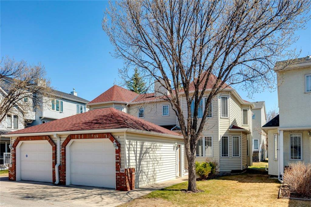 Main Photo: 180 INGLEWOOD Cove SE in Calgary: Inglewood Semi Detached for sale : MLS®# C4289561