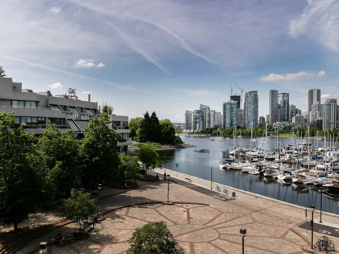 """Main Photo: 446 658 LEG IN BOOT Square in Vancouver: False Creek Condo for sale in """"Heather Bay Quay"""" (Vancouver West)  : MLS®# R2445945"""