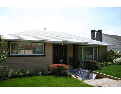 Main Photo: 1023 CLOVERLEY ST in North Vancouver: House for sale : MLS®# V830913