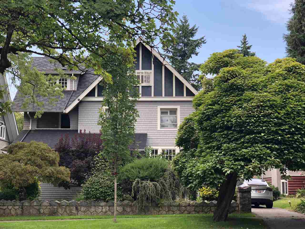 "Main Photo: 3057 W 39TH Avenue in Vancouver: Kerrisdale House for sale in ""Kerrisdale"" (Vancouver West)  : MLS®# R2393583"