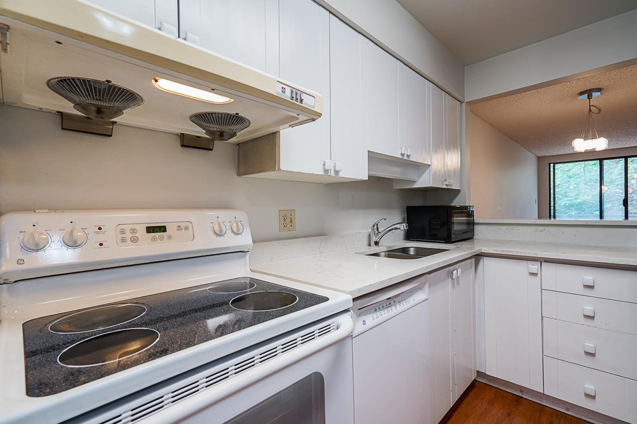 Photo 10: Photos: 4139 PARKWAY Drive in Vancouver: Quilchena Townhouse for sale (Vancouver West)  : MLS®# R2486557
