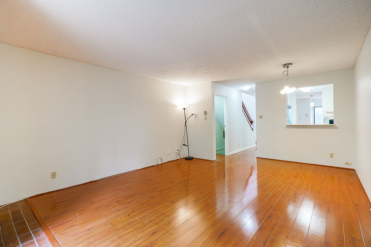Photo 16: Photos: 4139 PARKWAY Drive in Vancouver: Quilchena Townhouse for sale (Vancouver West)  : MLS®# R2486557