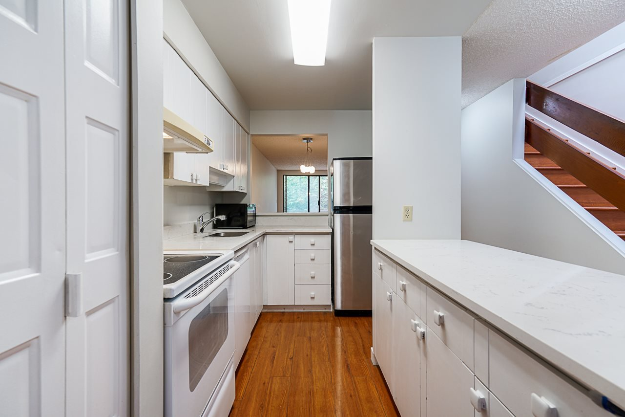 Photo 8: Photos: 4139 PARKWAY Drive in Vancouver: Quilchena Townhouse for sale (Vancouver West)  : MLS®# R2486557