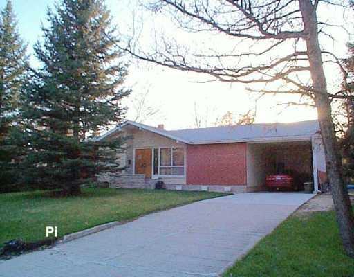 Main Photo: 99 RIVERBEND Avenue in Winnipeg: St Vital Single Family Detached for sale (South East Winnipeg)  : MLS®# 2605806