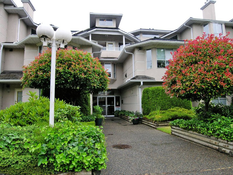"""Main Photo: 308 19721 64TH Avenue in Langley: Willoughby Heights Condo for sale in """"Westside"""" : MLS®# F2718689"""