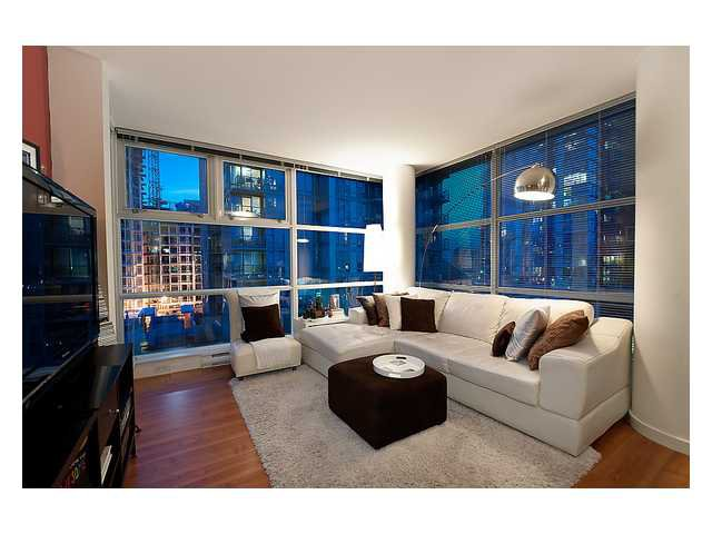 "Main Photo: # 706 111 W GEORGIA ST in Vancouver: Downtown VW Condo for sale in ""111 WEST GEORGIA"" (Vancouver West)  : MLS®# V911690"