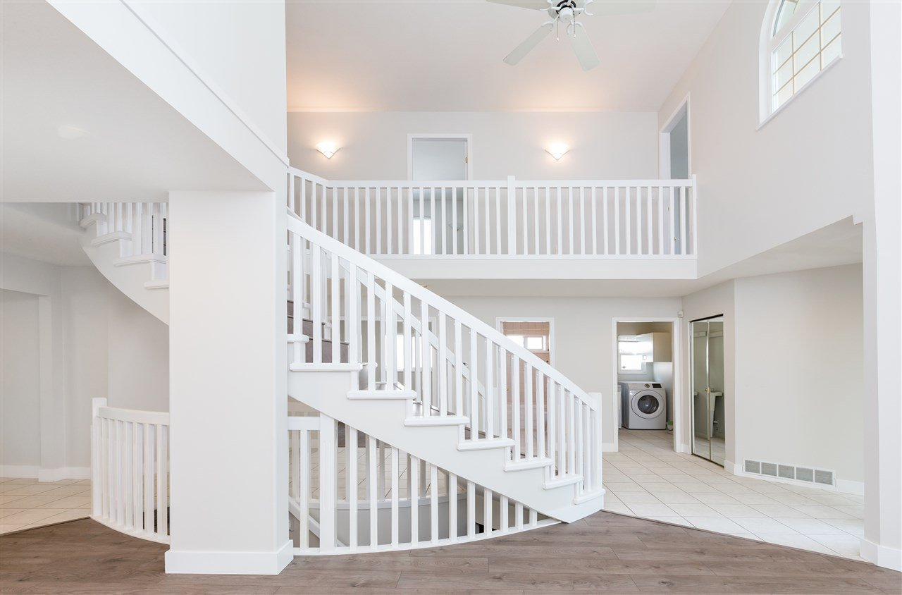 Main Photo: 2009 ST GEORGE Street in Port Moody: Port Moody Centre House for sale : MLS®# R2391468