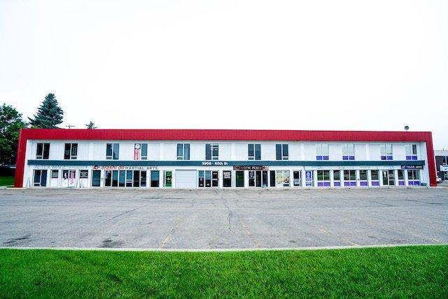 Main Photo: 5906 50 Street: Leduc Retail for sale : MLS®# E4185876