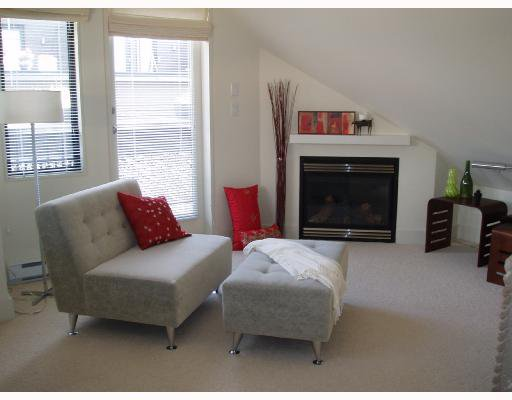 Main Photo: 1427 W 11TH Avenue in Vancouver: Fairview VW Townhouse for sale (Vancouver West)  : MLS®# V656787