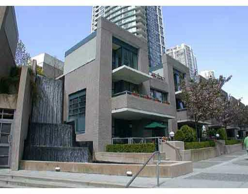 Main Photo: 1039 EXPO Boulevard in Vancouver: Downtown VW Townhouse for sale (Vancouver West)  : MLS®# V675698