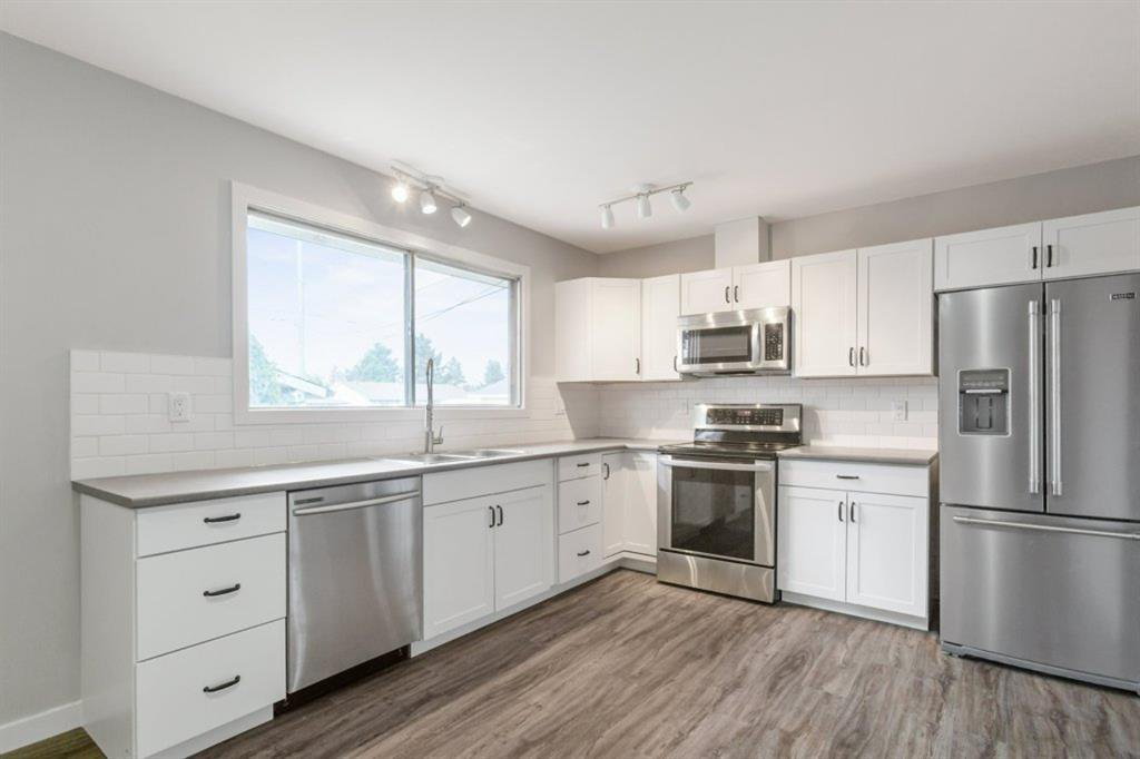 Main Photo: 4611 FORMAN Crescent SE in Calgary: Forest Heights Detached for sale : MLS®# A1024854