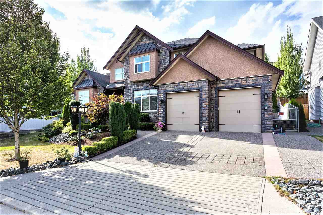 "Main Photo: 2055 ZINFANDEL Drive in Abbotsford: Aberdeen House for sale in ""Pepin Brook Vineyard Estates"" : MLS®# R2501690"