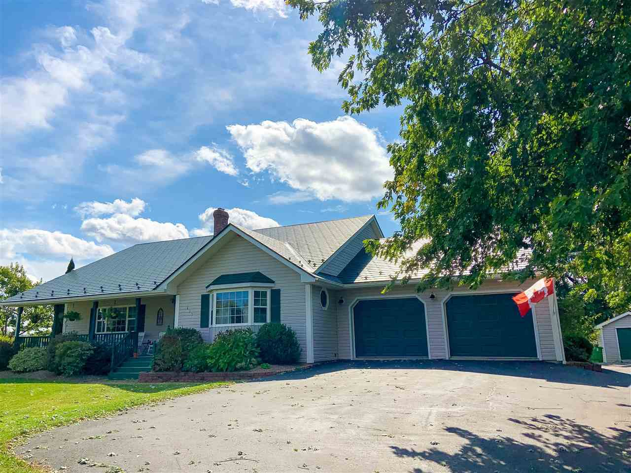 Main Photo: 415 Gabriel Road in Falmouth: 403-Hants County Residential for sale (Annapolis Valley)  : MLS®# 202019866