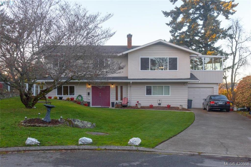 Main Photo: 918 W Garthland Place in VICTORIA: Es Kinsmen Park Single Family Detached for sale (Esquimalt)  : MLS®# 420508