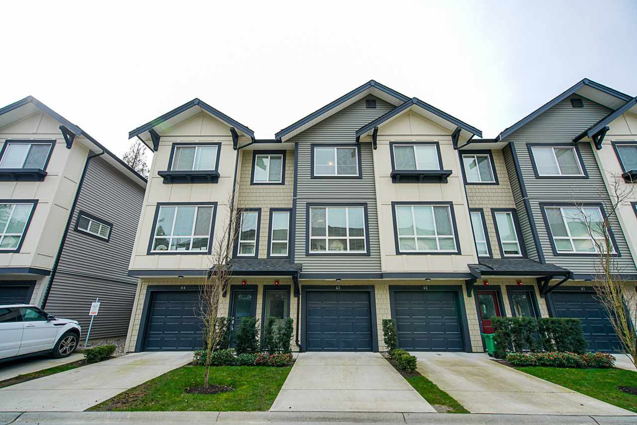 """Main Photo: 43 8570 204 Street in Langley: Willoughby Heights Townhouse for sale in """"Woodland Park"""" : MLS®# R2457632"""