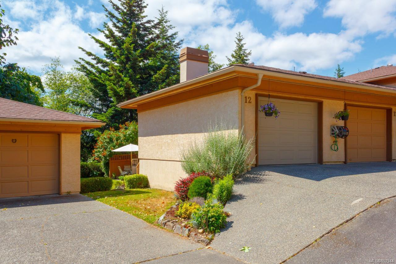 Main Photo: 12 639 Kildew Rd in : Co Hatley Park Row/Townhouse for sale (Colwood)  : MLS®# 852344