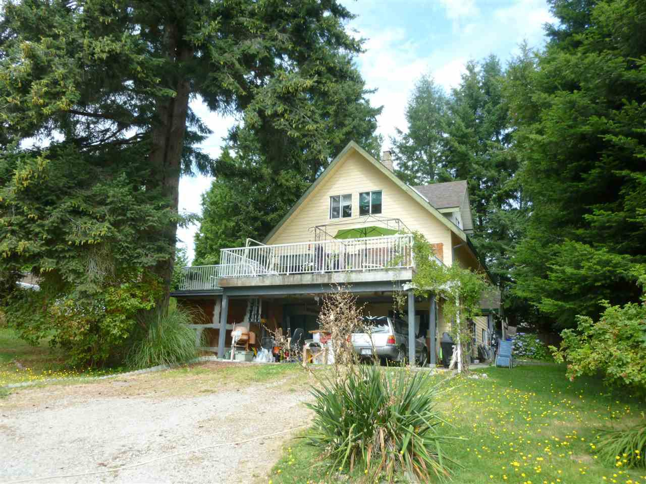Main Photo: 6307 BLIGH Road in Sechelt: Sechelt District House for sale (Sunshine Coast)  : MLS®# R2489505