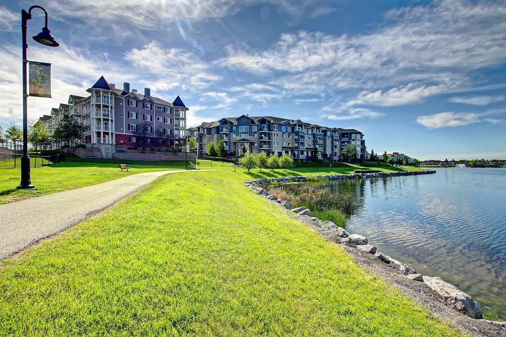 Main Photo: 2311 43 COUNTRY VILLAGE Lane NE in Calgary: Country Hills Village Apartment for sale : MLS®# A1031045