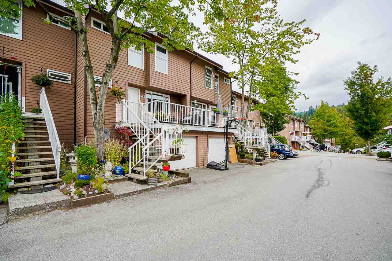 "Main Photo: 546 CARLSEN Place in Port Moody: North Shore Pt Moody Townhouse for sale in ""Eagle Point"" : MLS®# R2495097"