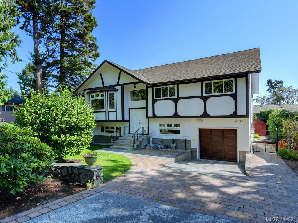 Main Photo: 4381 Shelbourne St in VICTORIA: SE Mt Doug House for sale (Saanich East)  : MLS®# 822185