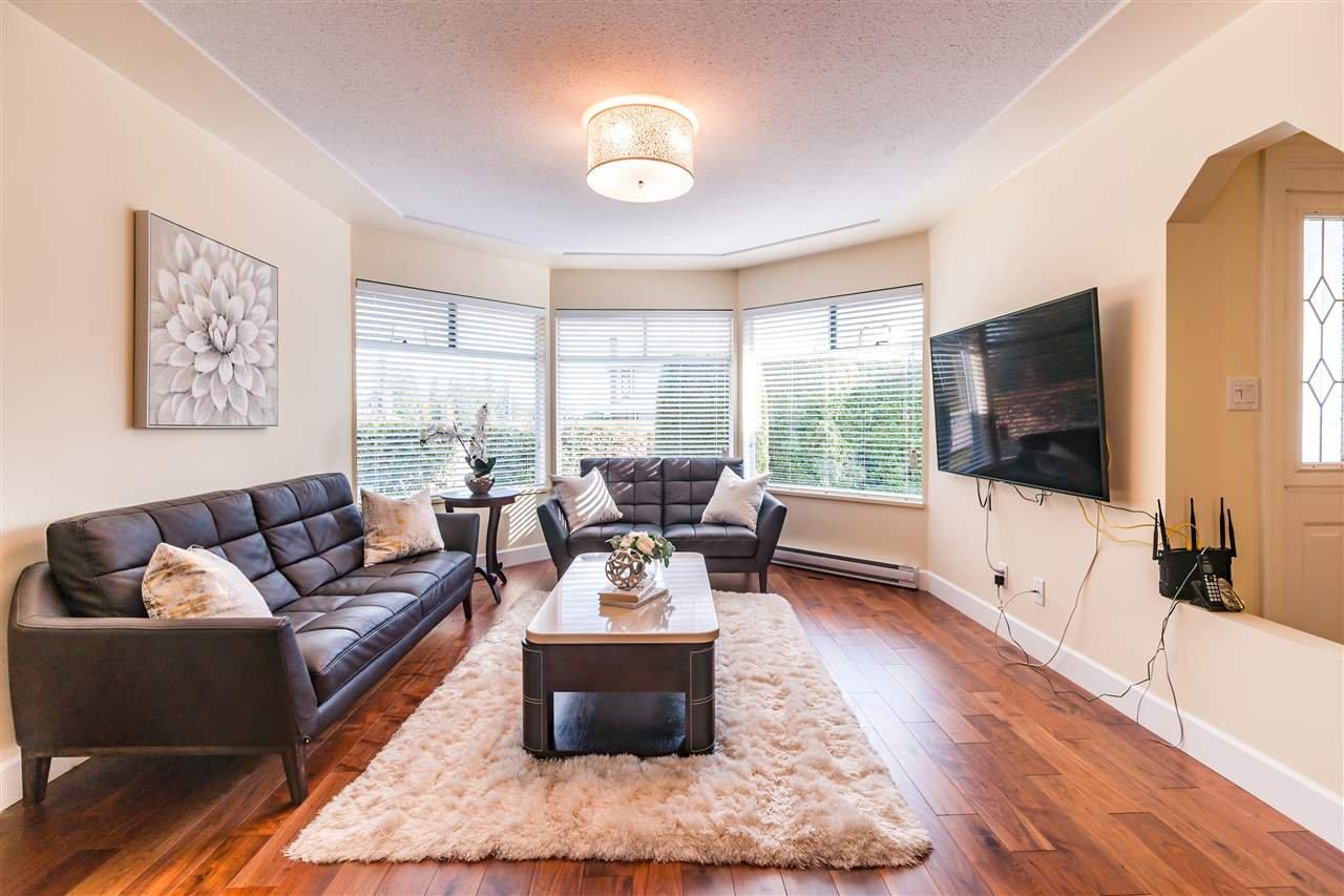 Main Photo: 8995 157 Street in Surrey: Fleetwood Tynehead House for sale : MLS®# R2419218