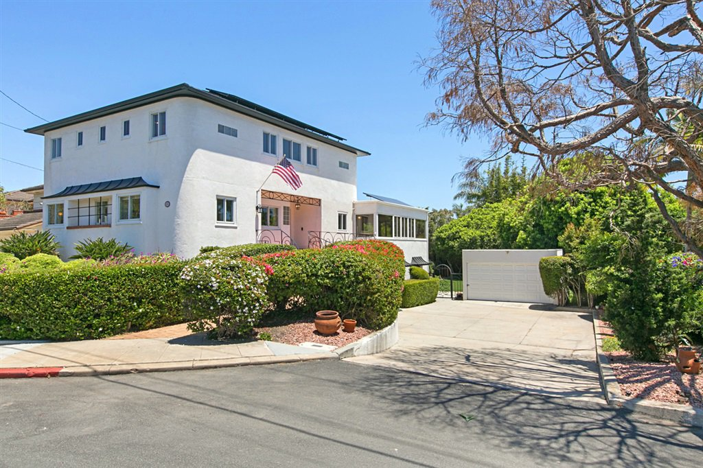 Main Photo: POINT LOMA House for sale : 5 bedrooms : 2355 Willow St in San Diego