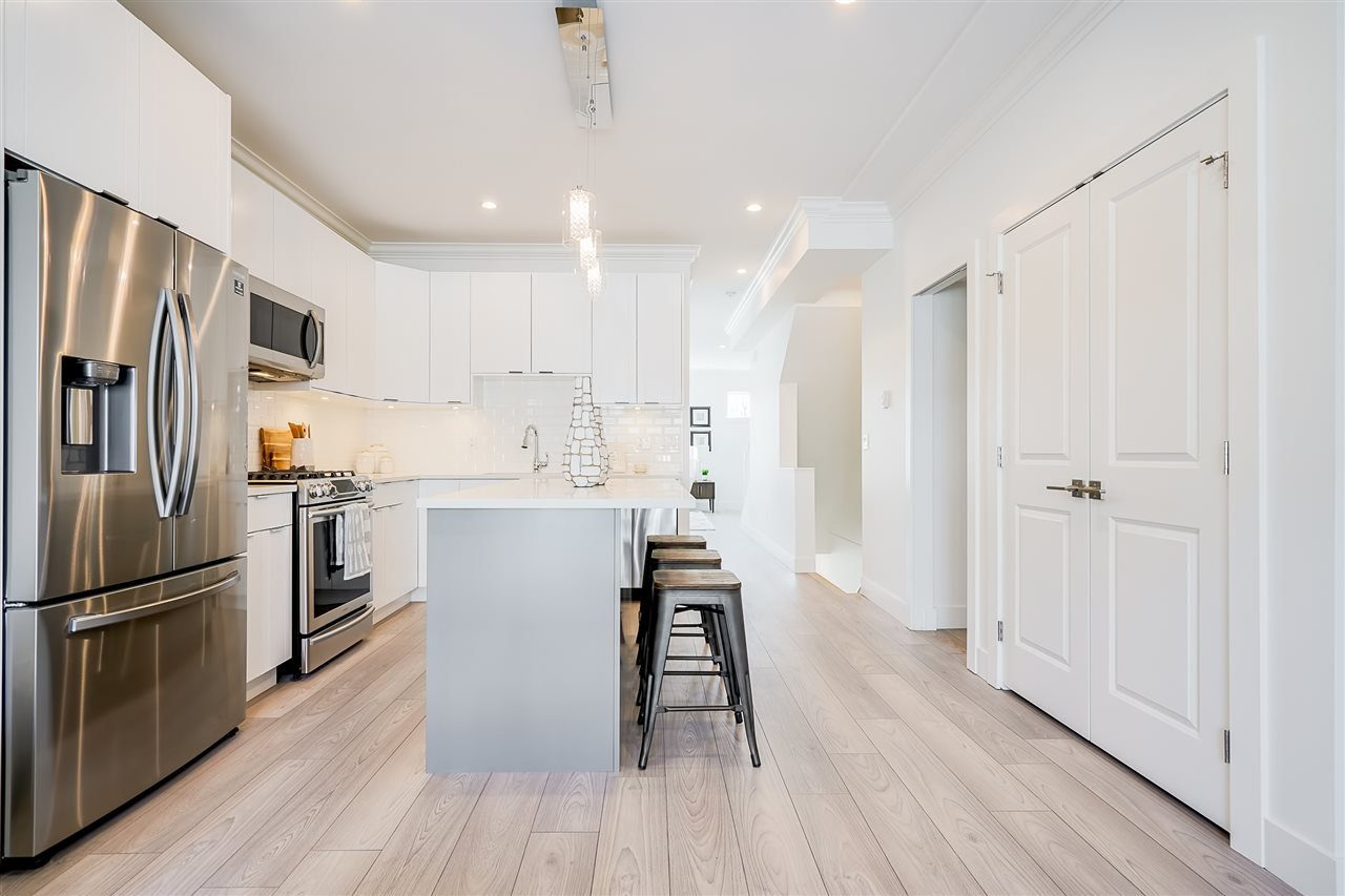 """Photo 9: Photos: 18 11528 84A Avenue in Delta: Annieville Townhouse for sale in """"Chalet"""" (N. Delta)  : MLS®# R2491780"""