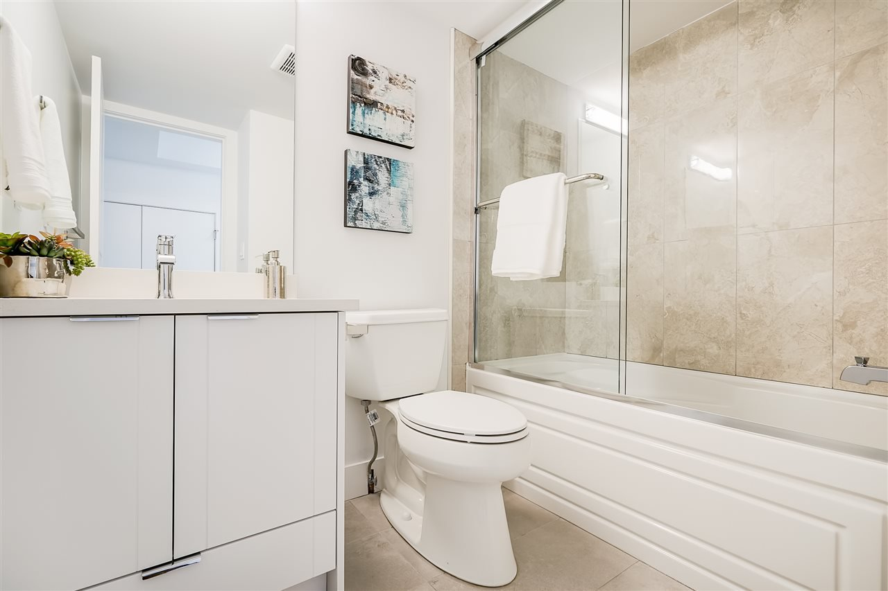 """Photo 6: Photos: 18 11528 84A Avenue in Delta: Annieville Townhouse for sale in """"Chalet"""" (N. Delta)  : MLS®# R2491780"""