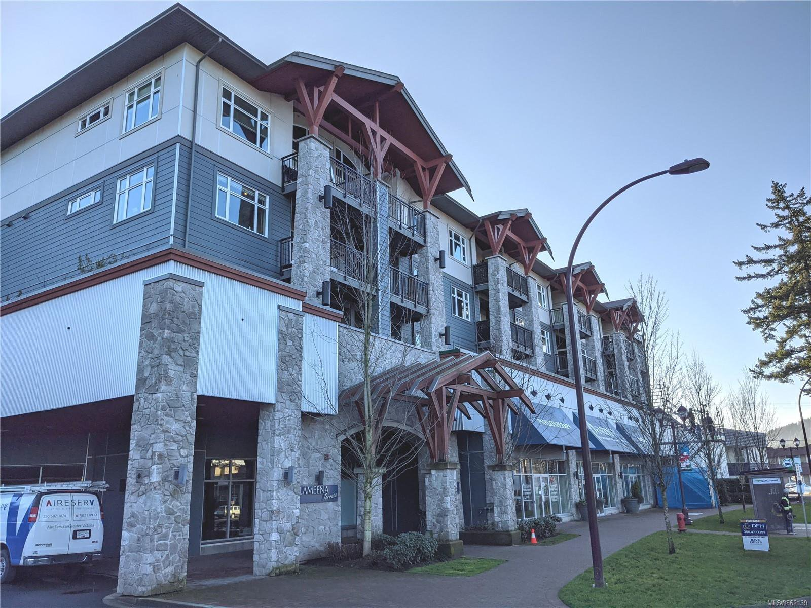 Main Photo: 307 2655 Sooke Rd in : La Walfred Condo for sale (Langford)  : MLS®# 862139