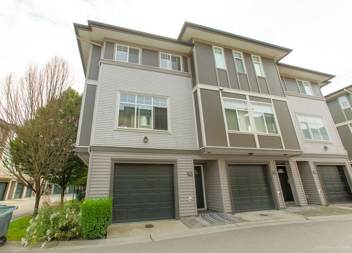 "Main Photo: 50 1010 EWEN Avenue in New Westminster: Queensborough Townhouse for sale in ""Windsor Mews"" : MLS®# R2468809"