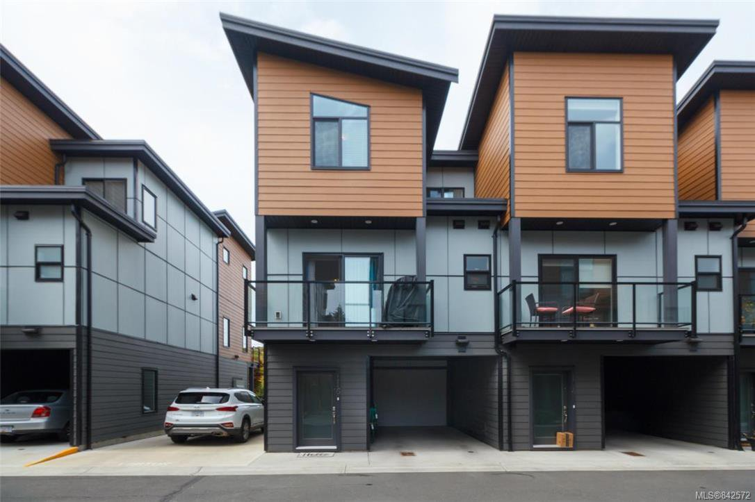 Main Photo: 116 687 Strandlund Ave in Langford: La Langford Proper Row/Townhouse for sale : MLS®# 842572