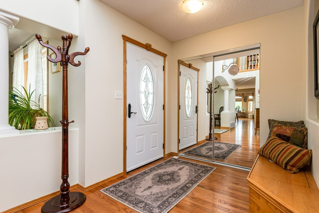 Photo 4: Photos: 1 WOODBEND Way: Fort Saskatchewan House for sale : MLS®# E4209041