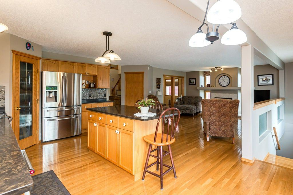 Photo 8: Photos: 1 WOODBEND Way: Fort Saskatchewan House for sale : MLS®# E4209041