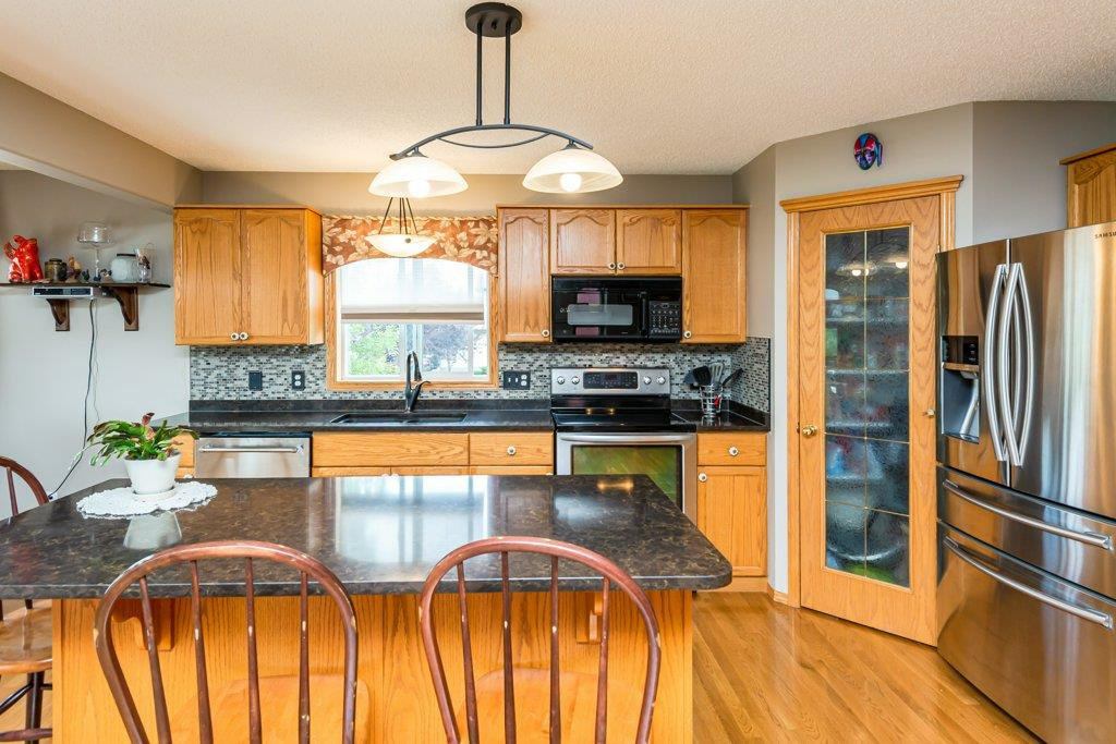 Photo 11: Photos: 1 WOODBEND Way: Fort Saskatchewan House for sale : MLS®# E4209041