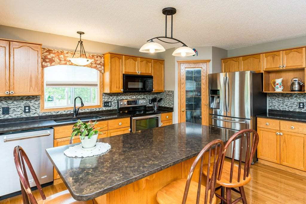 Photo 38: Photos: 1 WOODBEND Way: Fort Saskatchewan House for sale : MLS®# E4209041